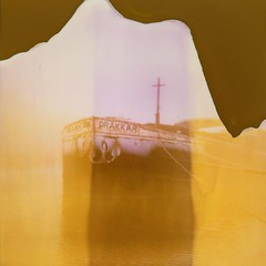 Drakkar (Martin PEREZ 68) Tags: drakkar péniche boat brouillard brume fog canaldumidi agen lotetgaronne polaroid expired expiredfilm polaroid660 polaroidtype600
