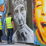 URBANA inauguration BNP - Artistes devant leurs oeuvres thumbnail