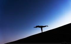 Armonia (Sebas Fonseca) Tags: sebafonseca sony jaisalmer desert india travel yoga asana sky blue backlight color sunset minimal minimalist simple