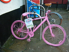 Durham - advice to lock up your bikes (rossendale2016) Tags: colourful iconic eyecatching clever unusual warning security bike your up lock cycle advice durham crime prevention council police advisory notice ingenious