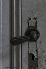 School's Out (Marian Smeets) Tags: schoolsout school urbex urbexexploring vervallen verlaten abandoned decay mariansmeets nikond750 2016 belgium belgie deurklink doorhandle