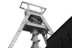 winding tower (Landesfahrer) Tags: förderturm bergbaumuseum bochum kohle ruhrgebiet industriekultur fotokunst kunst fotokünstlerjürgencordt
