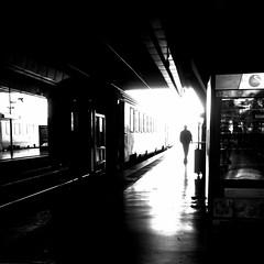 Cette envie de partir... plus forte que tout... (woltarise) Tags: gare france attente partir voyage rêves streetwise delest