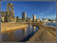 Paseando por Benidorm (edomingo) Tags: edomingo olympusepm1 mzuiko1442ez benidorm reflejos poniente playa alicante costablanca marinabaixa