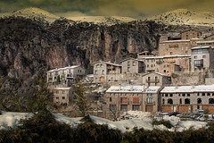 Nieve (JC Arranz) Tags: nieve arquitectura paisaje ciudad montañas edificios barcelona españa castellar de nhug cataluña 35mm nikond3200