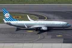 KLM Royal Dutch Airlines Boeing 737-8K2 PH-BXA (c/n 29131) Painted in a retro color-scheme. (Manfred Saitz) Tags: vienna dutch austria airport royal retro boeing klm vie 737800 schwechat loww 738 b738 phbxa phreg