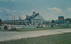 White House Motel - Newburg, Maryland (The Cardboard America Archives) Tags: pool umbrella vintage postcard maryland motel newburg