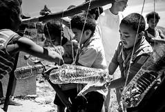 L'astuce Tip-Tap (Haja Faniry RAZAFIMAHENINA) Tags: scout propret salet laver malagasy malgache tiptap