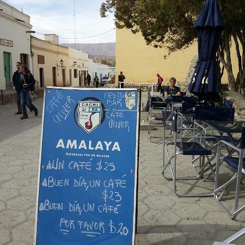 Buen día, un café por favor  #Gla #carteles #lares #vagabundeos #Oliver #café #blues #jazz #Norte #Argentina #Cachi #Salta #RN40 #desillasmesasehistorias #valle #calchaquies #valley
