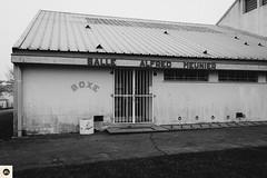 17m311216 (photo & life) Tags: montargis france europe ville city rue street streetphotography jfl photography photolife™ blackandwhite noiretblanc cityscape sony sonyrx1r sonydscrx1r rx1r zeiss carlzeisssonnar35mmf2t 35mm boxe boxingroom
