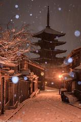 雪の八坂通り [explore] (skycat1962) Tags: japan kyoto yasaka pagoda temple snow white nightview landscape outdoor winter wow