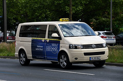 Volkswagen Transporter T5 Taxi (nighteye) Tags: volkswagen transporter t5 taxi hannover lowersaxony germany vw