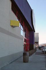 February 15, 2006: Yellow things (Matt McGee) Tags: washington store bestbuy m2 kennewick 1365 flickrday february152006
