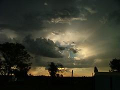 Cielito de los peludos (Libertinus) Tags: sky contraluz lafotodelasemana cielo nubes campo s5000 toma artigas peludos ocupacion cvp bellaunion lfscontraluces