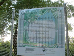 2003-7-8 005 (thrushlistener) Tags: nyc newyorkcity signs sign fence map centralpark maps fences reservoir announcement chainlinkfence announcements oldfence centralparkreservoir jacquelinekennedyonassisreservoir