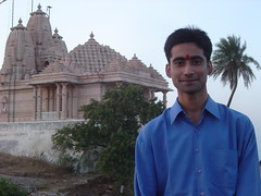 meinbhopal (White Monk) Tags: that temple is buddha famous bhopal