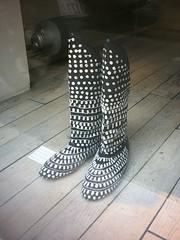 Boots Isabel Marant (fan_gab) Tags: paris france fashion boots noiretblanc style accessories accessoires bottes vitrine