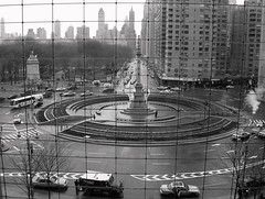 See the World through a reticule (schnuffi0311) Tags: street city nyc urban bw usa newyork skyline architecture centralpark manhattan streetlife timewarner sonyh1 amercia sonydsch1