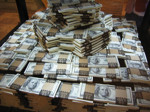 Giant Pile Of Cash (Photo: Noah Wesley, flickr)