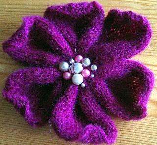 Free Knitting Flower Patterns : Ravelry: Knitted Flower pattern by Strikkelise