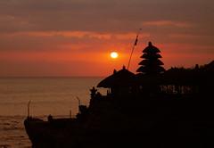 red at tanah lot (M3R) Tags: travel sunset red bali canon indonesia temple interestingness tanahlot powershots80 photofaceoffwinner mariaismawi gapjuly10