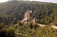 Burg Eltz (ngotoh) Tags: d50 germany nikon burgeltz nikond50 burg eltz