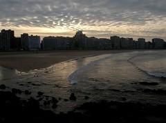Gijn (Aurora3) Tags: 2005 agua playa urbano gijon marinas asturies aurofot