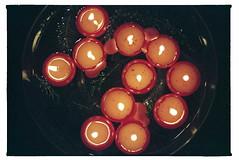 Drijfkaarsen (daaviet) Tags: drijfkaarsen kaarsen vuur gezellig