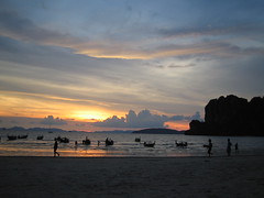 Sunset at Railey beach (Coola morsan) Tags: sunset beach 2004 thailand raileybeach beaces