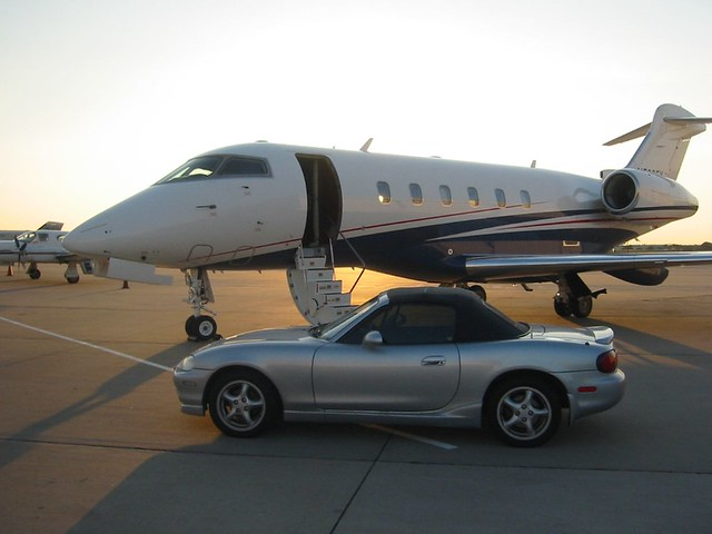 miata challenger300 bombardier airplane aircraft sportscar convertible stilllife flying flexjet