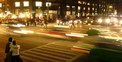 Romantic Traffic (stevec77) Tags: road street blur cars topv111 mexico hug mexicocity df couple k750i traffic sears romantic ciudaddemexico mexicodf 111v1f digital2007 bbcopenlab