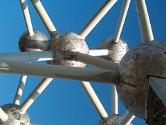Atomium - by teclasorg