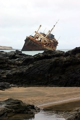 IMG_0560 (mcmumpitz) Tags: vacation sun holiday spain rust ship fuerteventura wreck americanstar