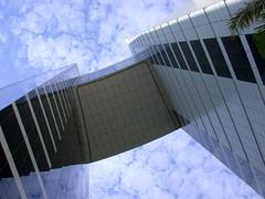 Grand Hyatt - Dubai (Zulpha) Tags: building up architecture hotel dubai grandhyatt nikone995 interestingness40 79points i500 100p explore8feb06