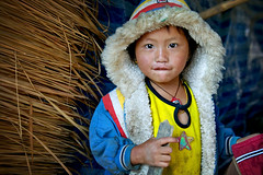 cold morning - children child thailand phitar 2006 hmong refugee morning cold