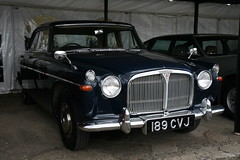 1963 Rover 3-Litre Saloon (davocano) Tags: auction brooklands carauction classiccarauction historicsatbrooklands 189cvj