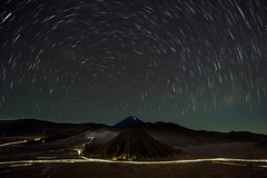 Bromo Star Trail.jpg (polarography) Tags: indonesia java bromo mountbromo seaofsand mountsemeru bromotenggersemerunationalpark