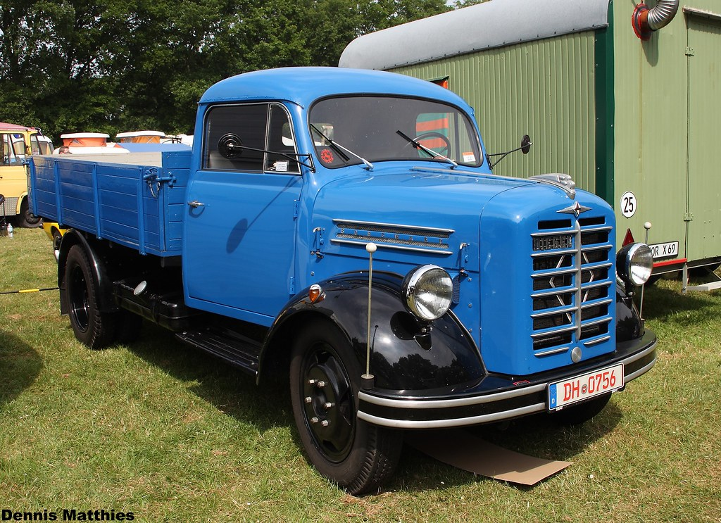 The world 39 s best photos of b and borgward flickr hive mind for Little blue truck fabric