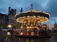 Htel de Ville | Carousel (Toni Kaarttinen) Tags: sunset paris france night lights hotel evening frankreich hoteldeville cityhall frana carousel frankrijk prizs francia iledefrance ville parijs suns parisian pars  hteldeville parigi frankrike  pary   francja ranska pariisi  franciaorszg  francio parizo  frana