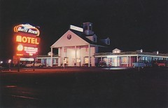 White House Motel - Newburg, Maryland (The Cardboard America Archives) Tags: vintage postcard maryland motel nightview courtesy newburg