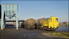30 december 2016 - HSL 691 - Oss (EnricoSchreurs) Tags: hsl hippel bakkie 691 ketels tank wagons trein train zug railway spoor track bediening ooc oss december 2016 canon eos 6d