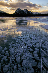 Bubbly (Len Langevin) Tags: ice frozen abrahamlake rocky mountains alberta rockies sunrise landscape nature clouds reflection canada nikon d300s tokina 1116