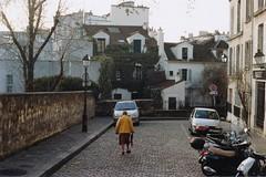 Mont Martre, Parigi // 2016 (Mattia Bottero) Tags: film filmisnotdead ftb filmroll ishootfilm istillshootfilm parigi paris montmartre analog analogue canon