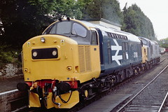 37190 + 37065 Alresford 260402 (2) (AlanTaitRailwayArchive) Tags: class37 tractor 37190 37065 alresford mhr