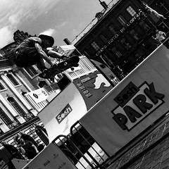 Get live or Fly trying! (3) (Solylock) Tags: bw fall june blackwhite juin nw noiretblanc skatepark skate casquette toulouse chute capitole 2015 sosh placeducapitole toulousain skateur soshtruck soshpark