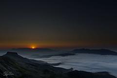 Atardecer en Picu Tresmares (ReyBrena) Tags: sea espaa clouds de atardecer mar spain nubes cantabria campo