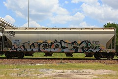 (o texano) Tags: bench graffiti texas houston trains dts d30 freights weezy wyse a2m benching