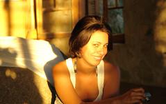 Light up your eyes (Rodrigo Toledo Piza) Tags: poser eyes light sunlight frontlight women