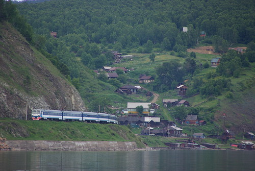 Excursion train of Circum-Baikal railway: ED9MK-0029 EMU under TEM2-6550 ©  trolleway
