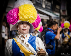 The face of the street performer (gunman47) Tags: asia asian insadong korea korean rok republic seoul south dance elderly enjoying festival gil granny hanbok people performance performer photography street 서울 southkorea